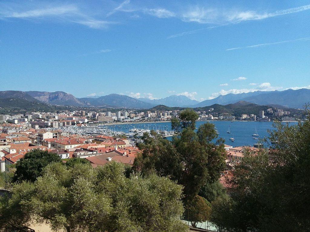 vue sur les hauteurs d'Ajaccio